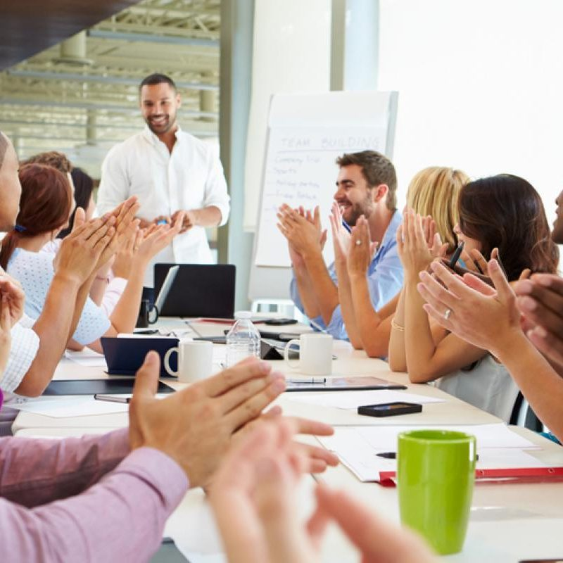 Employee-recognition-applause